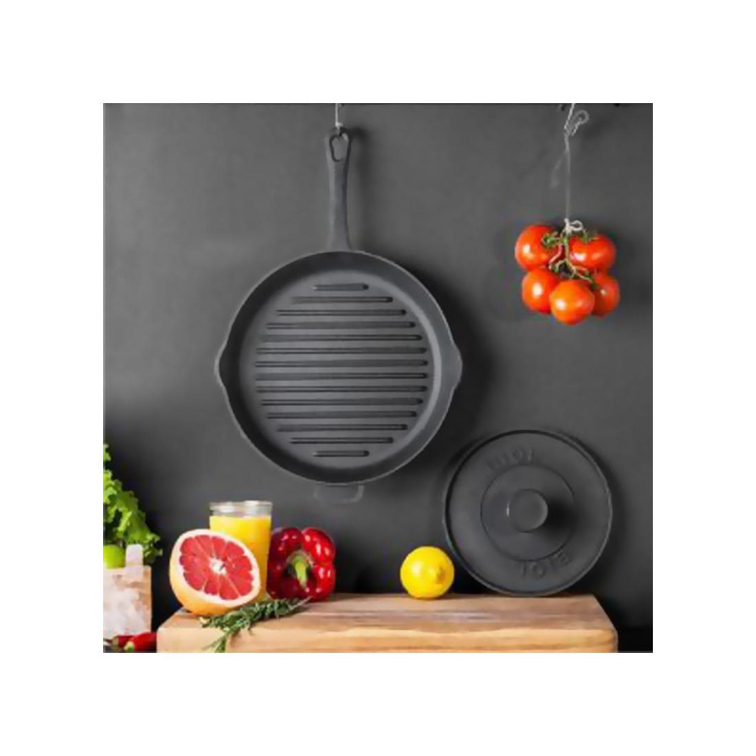 Biol Grill Serpenyő öntöttvas 28 cm vas nyéllel + húsprés